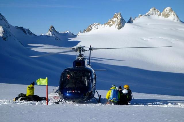 Heliboarding dans le massif du Mont Blanc - Dépose en hélicoptère