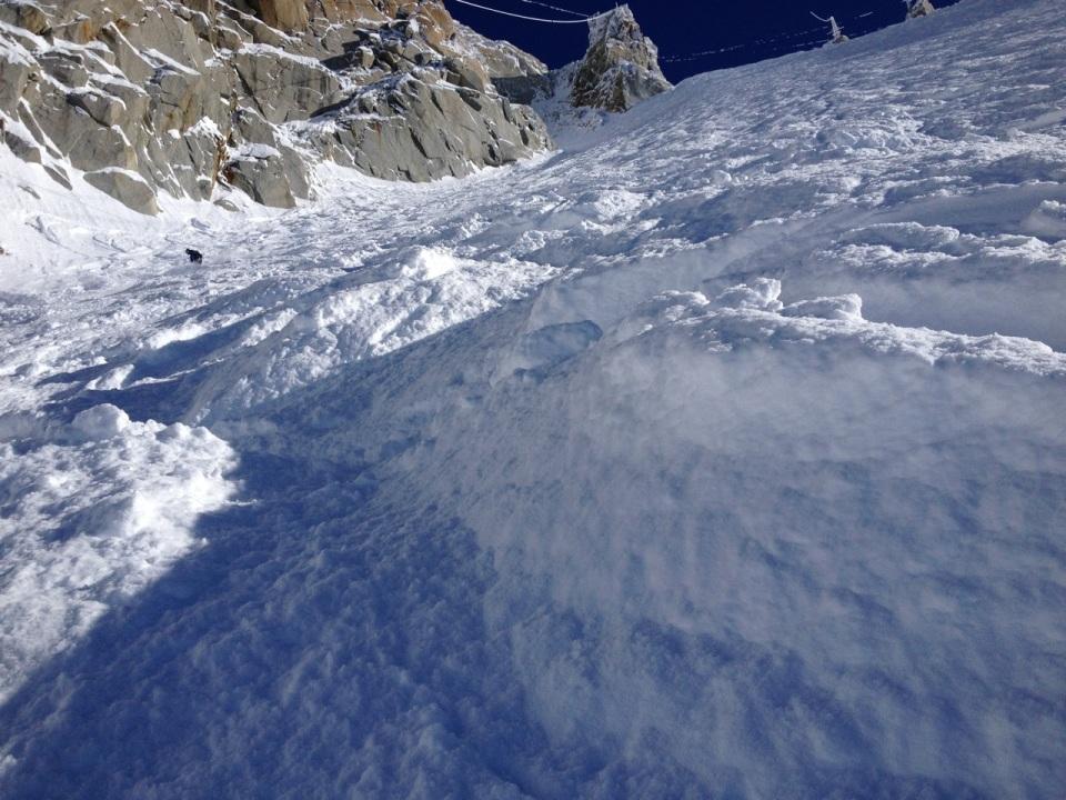 Le Glacier Rond est facile d'acces depuis l'aiguiile du midi. 55° maximum; a rider quand c'est bon, descente sur Chamonix par le glacier des bossons, la para, ou retour sur le plan