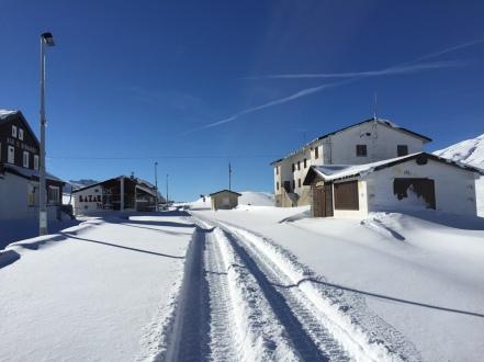 En montant au col du Petit St Bernard pour aller en ski de randonné et splitboard sur Lancebranlette