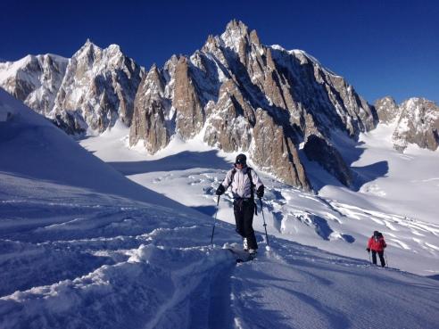 en montant en peaux au Col de Toule depuis l'Aiguille du Midi