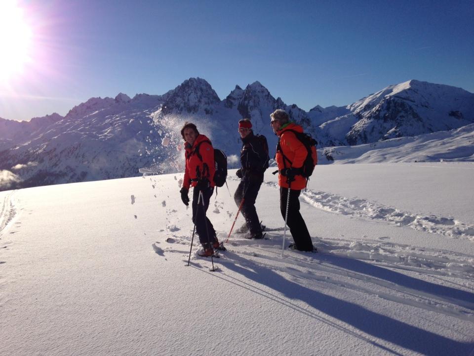couloir du Van, couloir des Posettes, couloir de la vormaine, les Jeurs... Le tour est un magnifique spot de hors pistes de la Vallée de Chamonix Mont Blanc