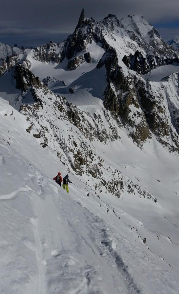Belle pente à 40° environ qui domine le Glacier de Toule et d'Entrève