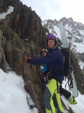 Juste sous le col du Passon, ski sur le sac et crampons souvent obligatoires