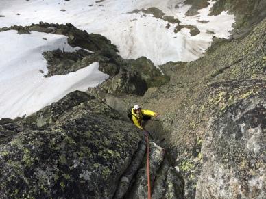 huit longueurs en granit depuis les grands montés