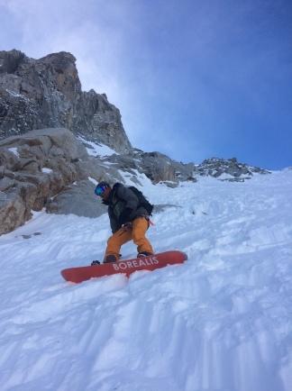 pente raide en splitboard à Chamonix