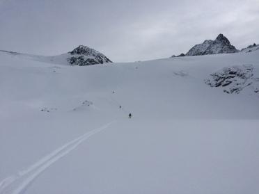 belle neige en héliski au petit combin