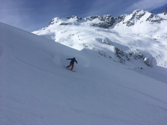 Splitboarding au glacier du mort dans les aiguilles rouges au départ de la légère à chamonix
