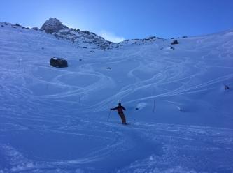 Dans la combe de la pendant en Ski hors pistes aux Grands Montets