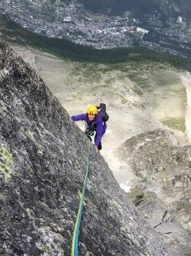 escalade en granit de nabot Léon et osez Josephine à la face ouest de Blaitiere