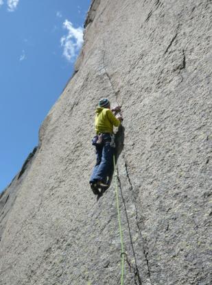 escalade en granit fissure