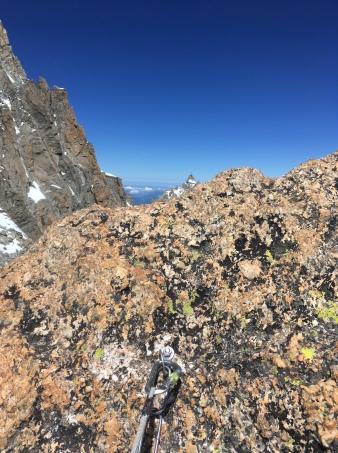 l'aiguille du midi depuis le sommet du grand capucin
