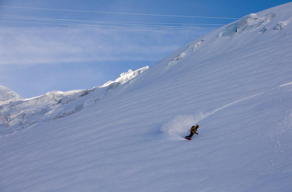 dans l'envers du plan en snowboard freeride