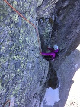 escalade en granit a chamonix sur les dalles du peigne
