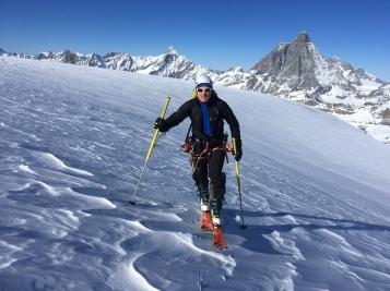 en montant au Breithorn depuis Cervinia en ski de randonné et splitboard
