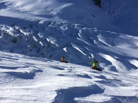la vierge puis la noire en snowboard depuis helbronner