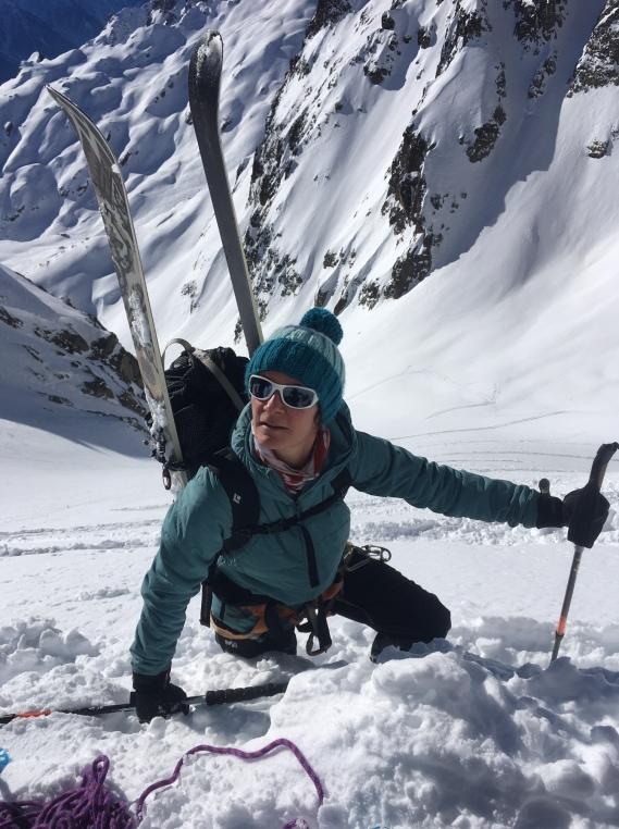 en montant au Col de Beugeant en ski de randonné