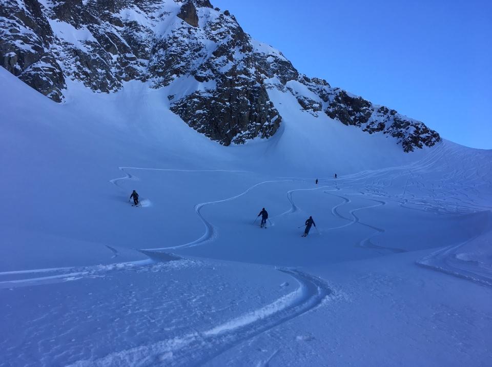 en descendant en ski du col de beugeant sur le vallon de berrard