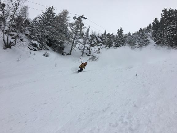 Snowboard hors pistes au brévent