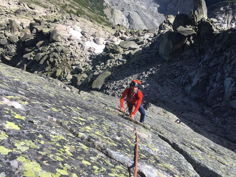 escalade sur l'arête nord est de l'aiguille de l'M